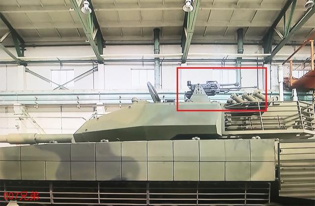 """我VT-5轻量化坦克配""""秘密""""武器,双口径布局,可点面覆盖"""