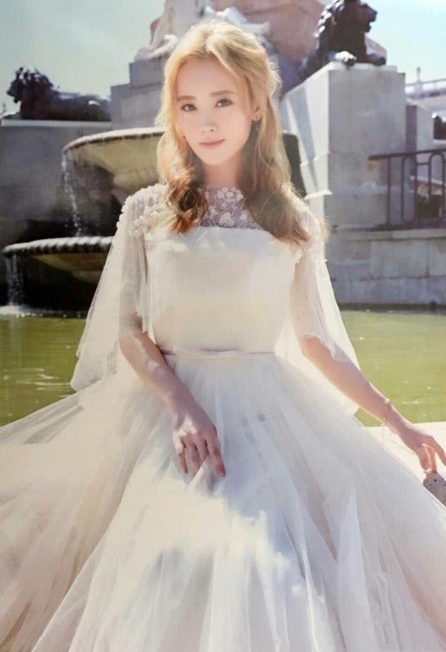 本以为鞠婧祎穿婚纱够美了,看到郑爽穿婚纱,才知道什么是仙女
