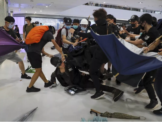 新华社:香港已到危机关头,必须切除暴力之瘤!