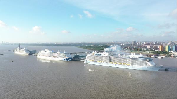 台风 利奇马 过后 吴淞口国际邮轮港再迎 三船同靠