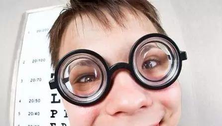 """孩子的近视度数增长和矫正~不要""""再等"""""""