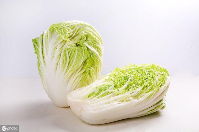 平时做饭白菜根千万别扔掉,老中医讲:它有其重要的功效与作用