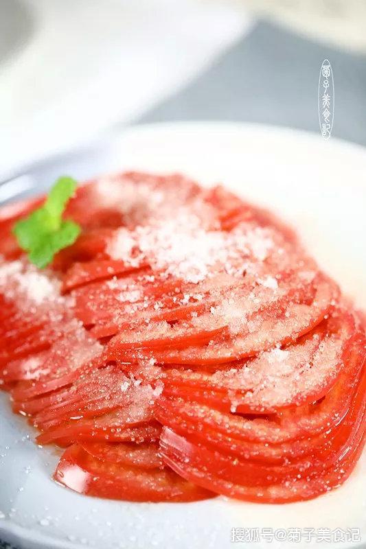 糖拌西红柿的简单做法,3步完成,吃一口就停不下来了|糖拌西红柿