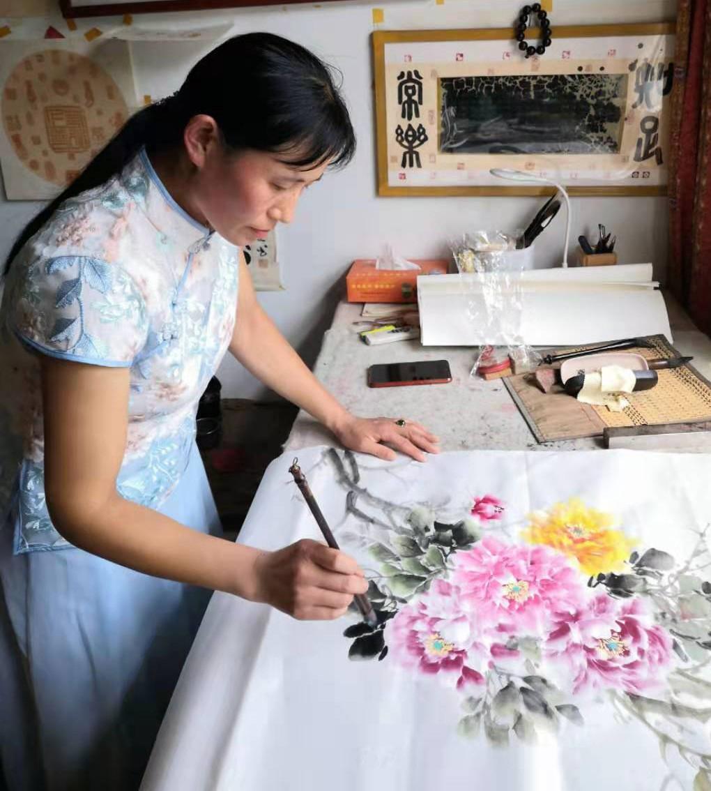山东女画家陈德莲女士的花鸟写意画新作欣赏
