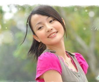 撸干妈射一脸_曾与刘谦有过一段情如今家庭幸福 女儿还让干妈邓紫棋