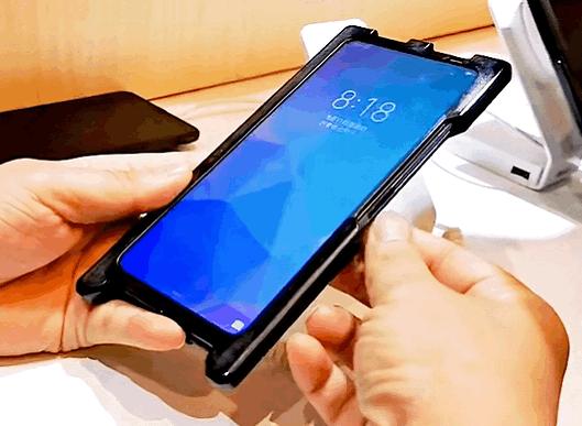 LCD屏幕指纹手机亮相,解锁速度堪忧,这种技术是你的菜吗?