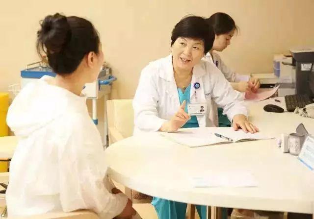 """孕早期产检发现孕酮低,做好""""2忌1吃"""",或许胎儿发育更稳定!"""
