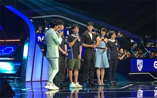 手游名人赛:许魏洲成淘汰目标,不求人成最受明星欢迎的主播