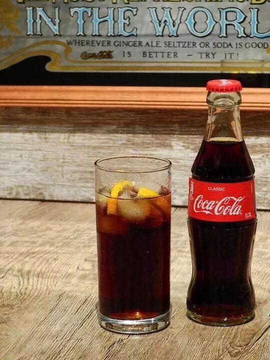 """可口可乐【现在才知道!可口可乐叫做""""可口可乐""""竟然有科学依据!】"""