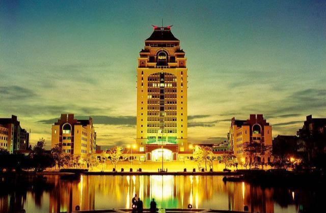 中国最低调的4所大学,王牌专业堪比清华北大