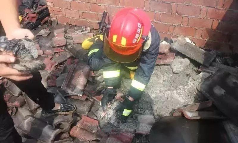现金藏杂物间,一把火烧掉5万,又是电气火灾惹的祸