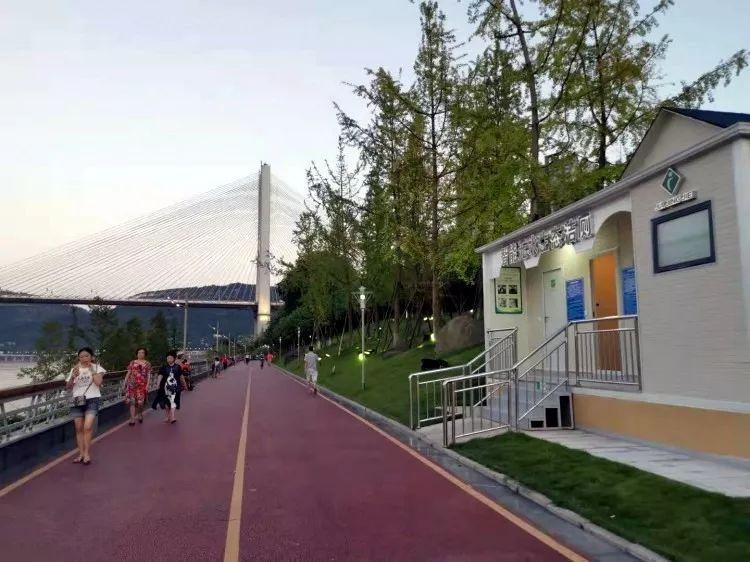 厉害啦 宜宾智能无水生态公厕正式开放使用啦,科技感超足