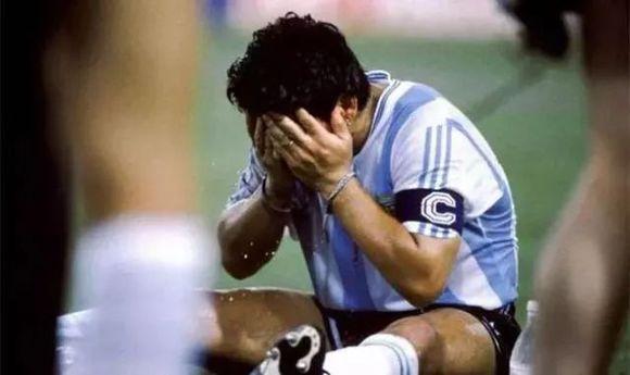 他们都是铮铮铁骨的虎躯男儿,却在世界杯上留下了让人动容的泪水