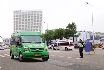 """破解""""停车难"""" 禅城中心医院新增800个车位"""