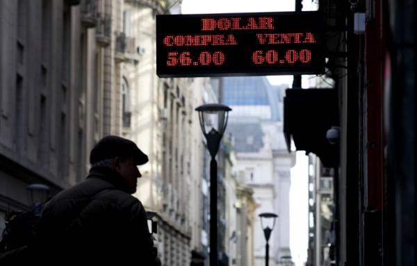 阿根廷风暴:在坏与不那么坏之间选总统,市场崩了一次又一次_马克里