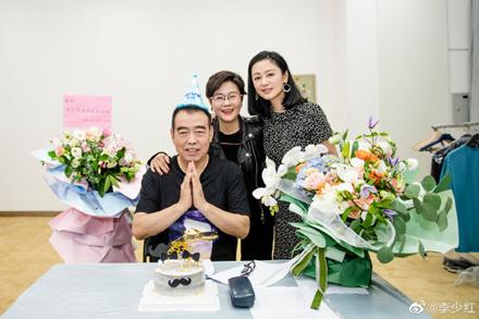 陈凯歌夫妇同框 50岁陈红保养得太好了吧