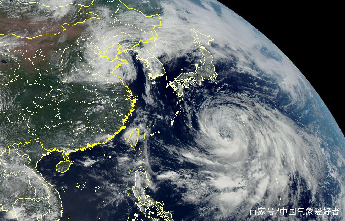 """日本麻烦大了!台风罗莎打开吓人""""风眼"""",大到能装进整个东京"""