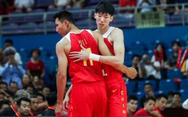 原创            曝周琦签约两年,新疆男篮可签双小外援,磨合顺利是冠军热门