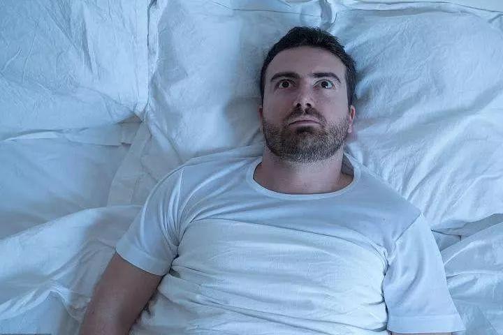 早醒的人可能变老变丑?三种方法有效调理!
