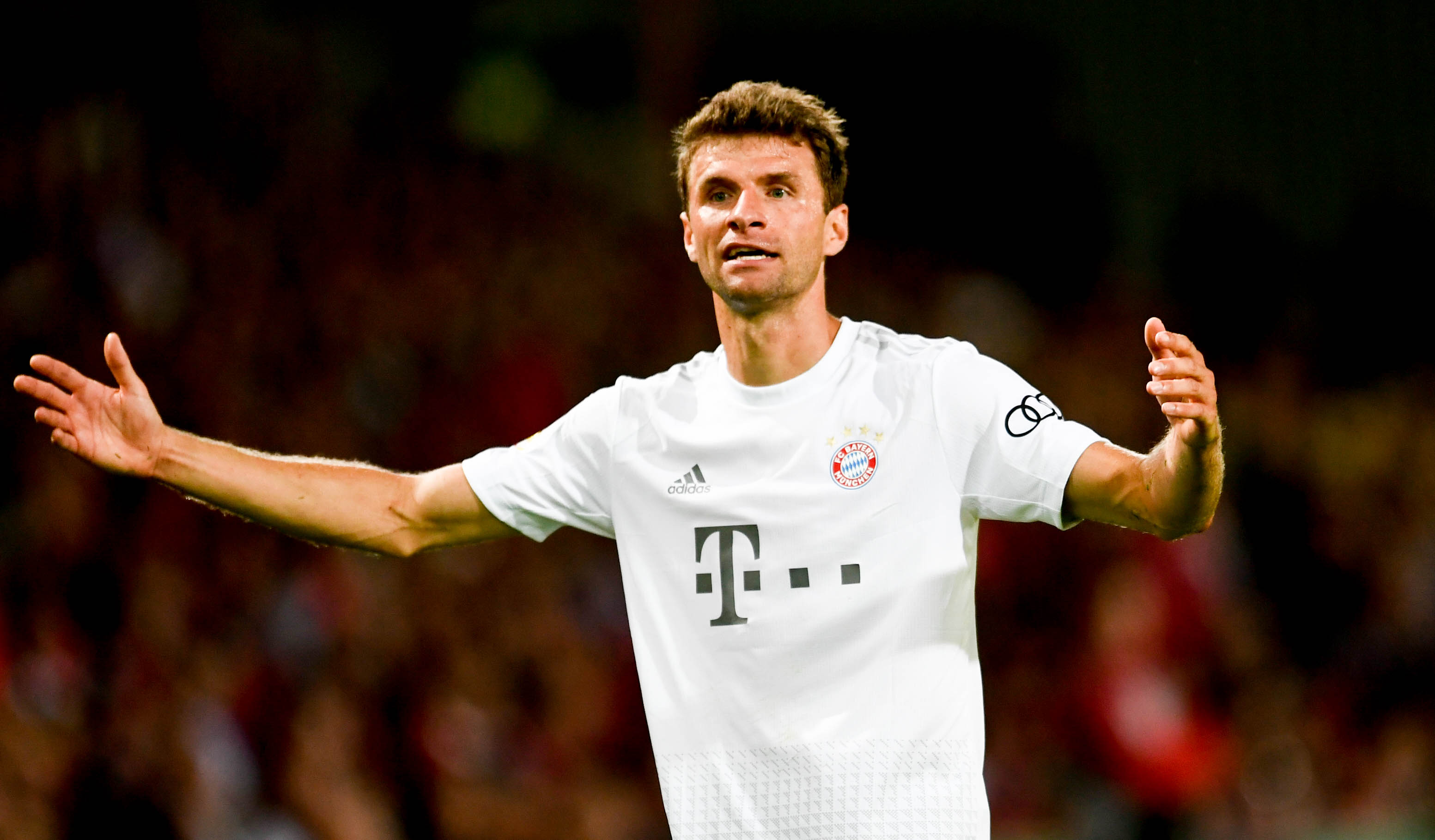 足球——德国杯:拜仁慕尼黑胜科特布斯