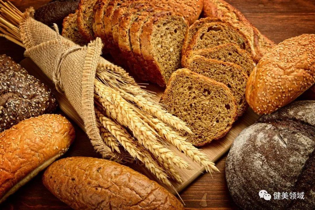 [吃主食会变胖?试试复合碳水化合物,不仅能吃饱还有利于减脂] 碳水化