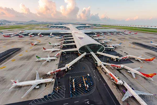 香港机场运作受挫,刺激深圳