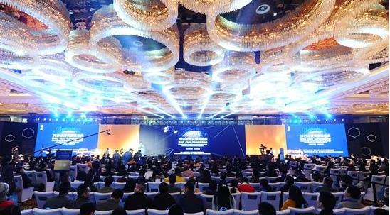 大赢寰宇出席国际互联网-社交新零售领袖峰会