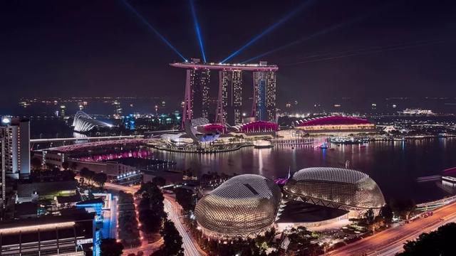 新加坡国庆日:假如新加坡有上帝,那他一定姓李~