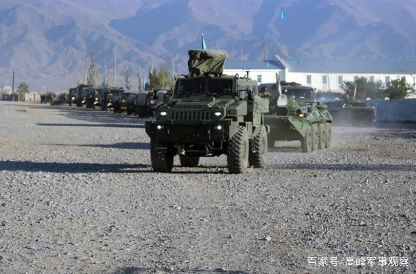 <b>中亚盟友起内讧,四百俄罗斯特种兵突降机场,梅德韦杰夫表态了</b>