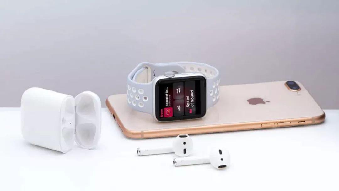 比起 iPhone,苹果的手表和耳机可能更有看头
