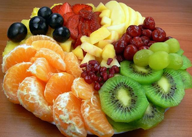 """水果女_女子因为吃了水果""""倒地不起""""?什么情况?吃水果,您应该这样做"""
