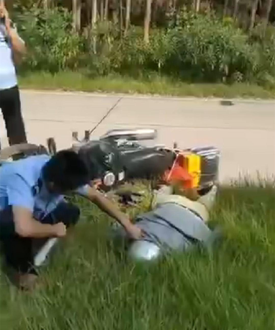 <b>突发!惠安一男子在沿海大通道东埭路段突然倒地,不幸身亡...</b>