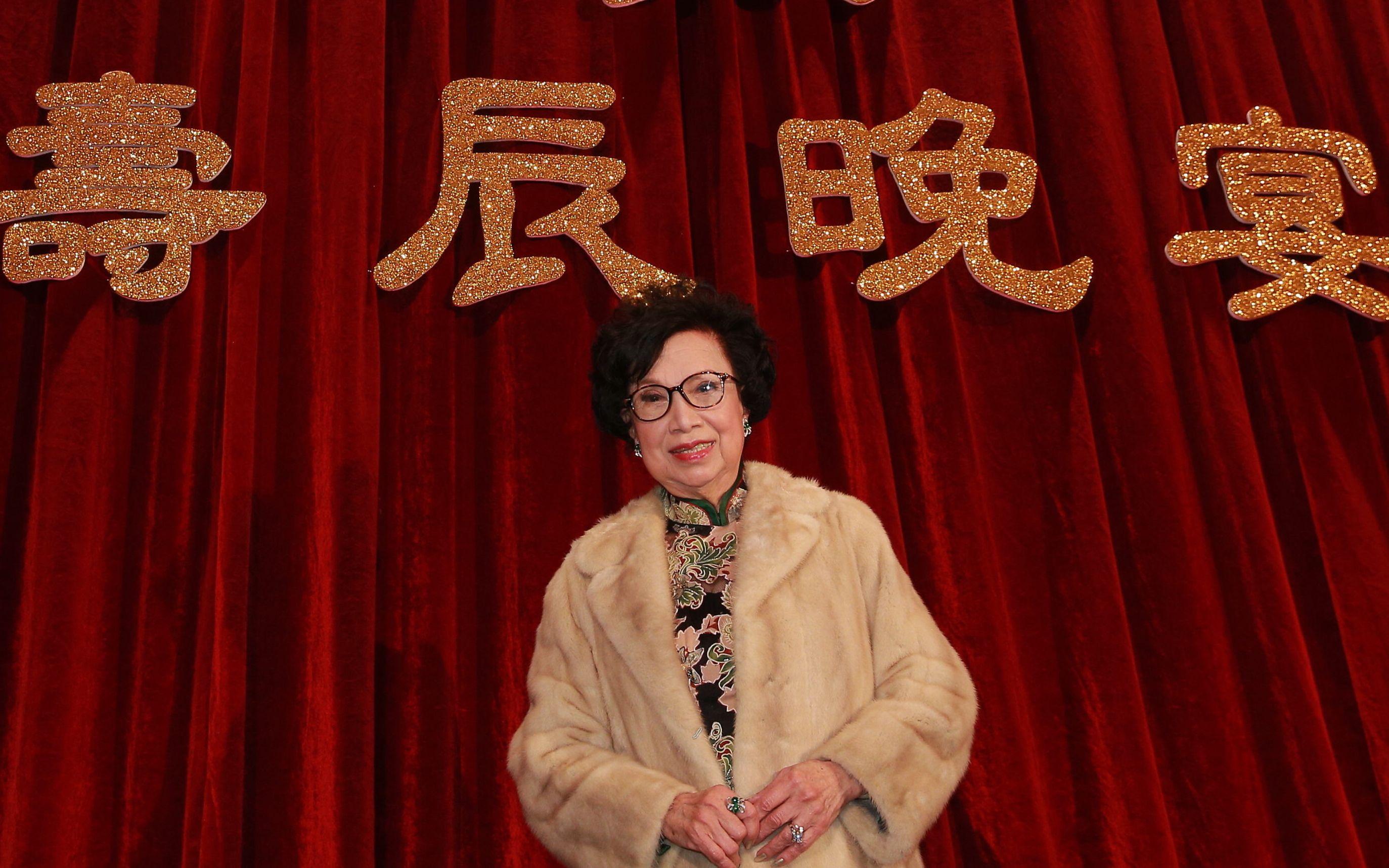 """梁舜燕故去,她曾告诫香港后辈""""怕辛苦趁早离开这行"""""""