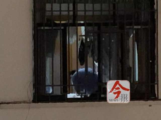 柳州一男子跑到前女友家喝下农药,急救人员无力回天