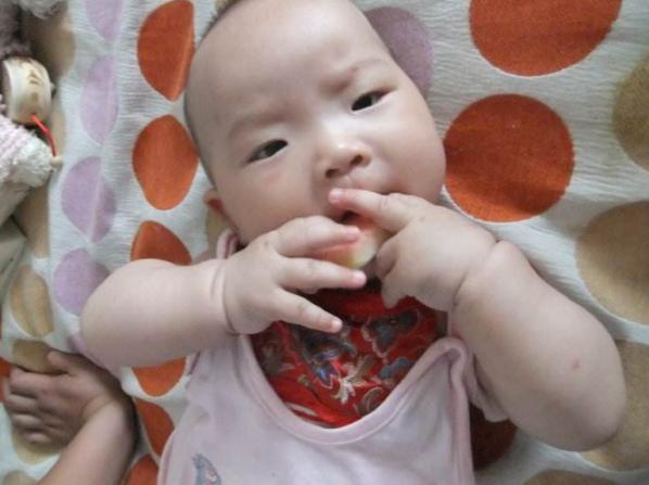 宝宝五个月大,3天喝一罐奶粉?老一辈这些坏习惯,宝妈别纵容