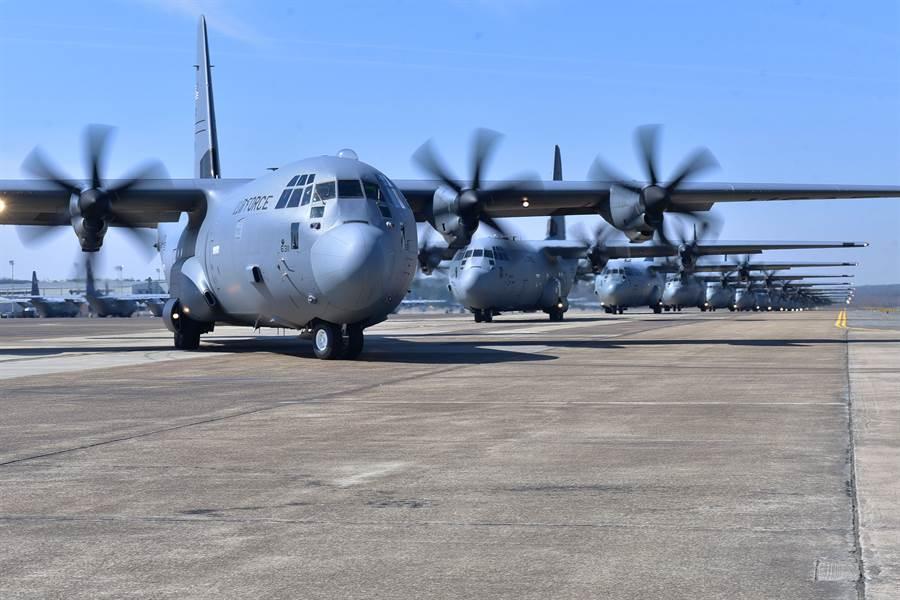 123架C-130被迫停飞,这一次是电子元件出现裂缝,竟赖中国制造?