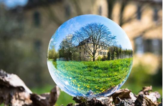 房地产和股票相比,哪一种是