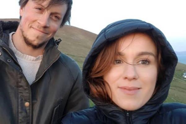 爱尔兰一对夫妇放弃城市喧嚣 体验荒岛生活_莱斯利