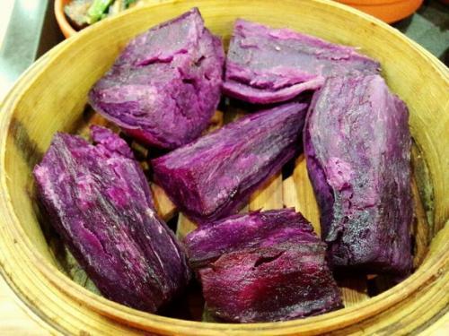 女性吃紫薯保护血管、抗衰老,在秋季和银耳熬汤,护肤效果加倍
