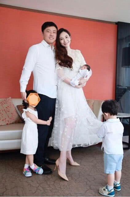 """""""吃软饭""""不敢离婚的男明星, 妻子都是亿万富翁? 甄子丹上榜!"""