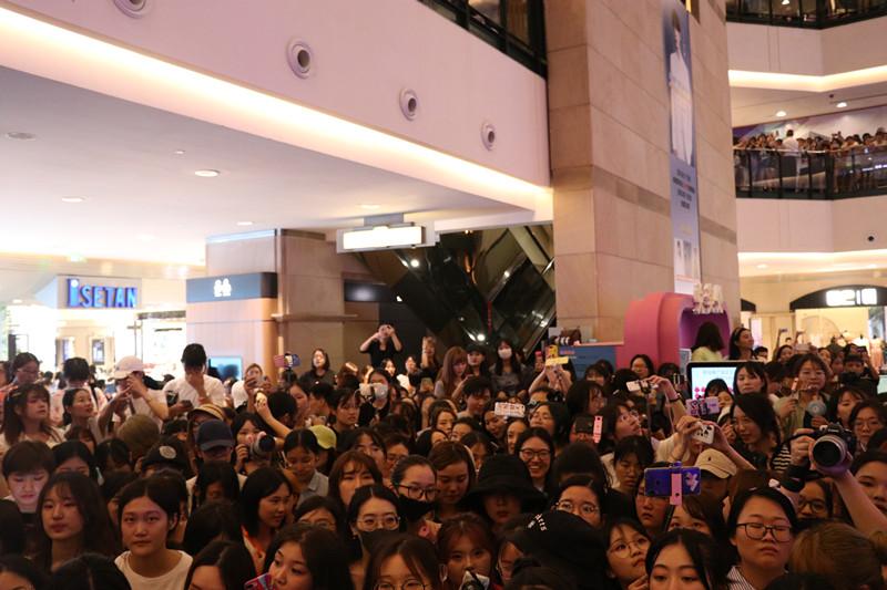 王一博上海活动临时取消 录视频向粉丝致歉