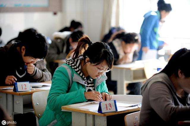 教师社会地位不高?将教师纳入公务员编制,能提升教师社会地位吗