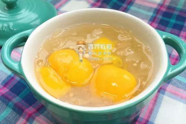 健康下午茶——银耳西米枇杷羹
