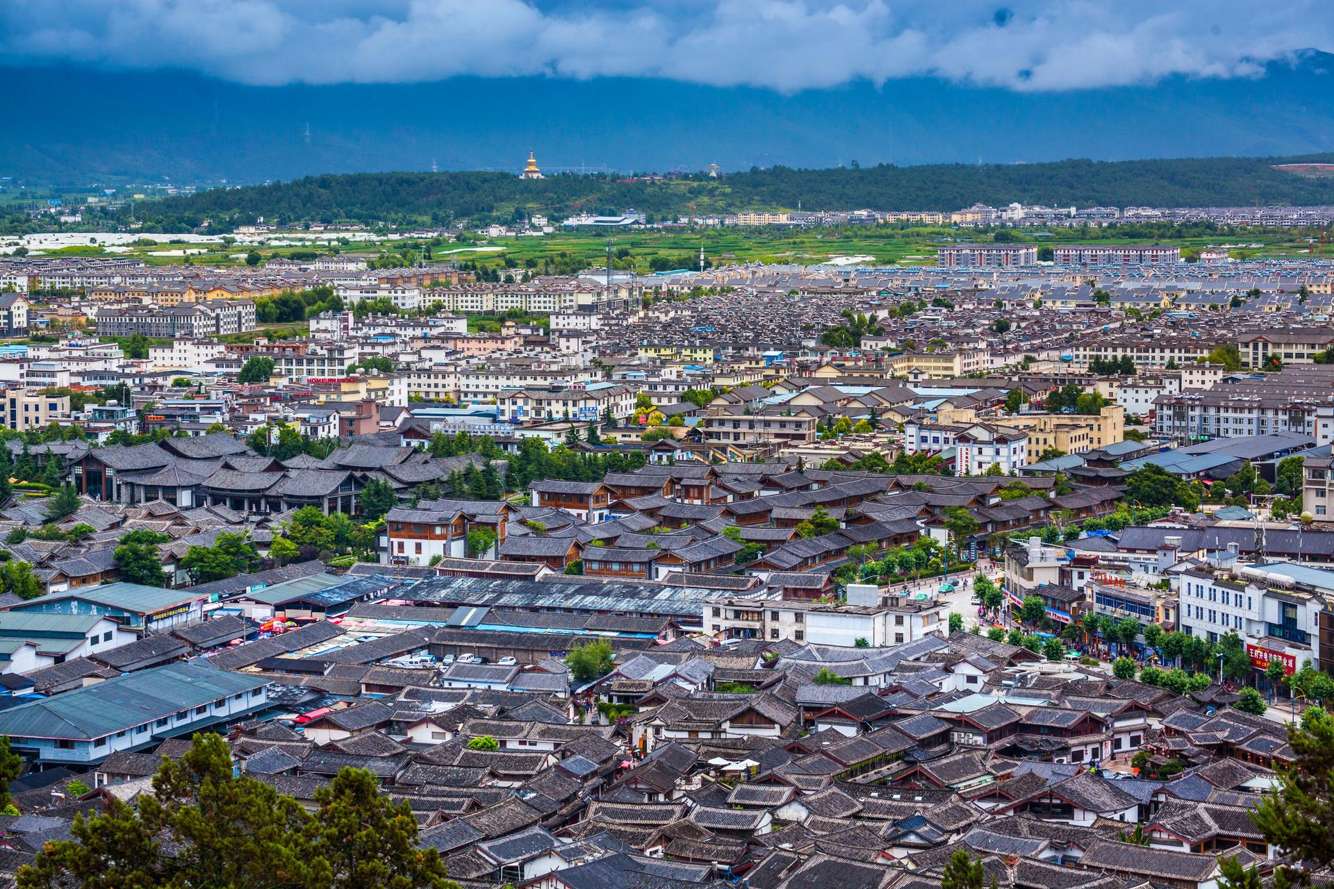 云南的世界遗产,这座古城已有700多年,没有城墙