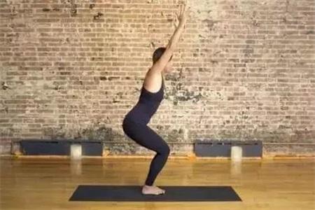 [热文]瑜伽的好处,四个瑜伽动作拯救你的颈椎
