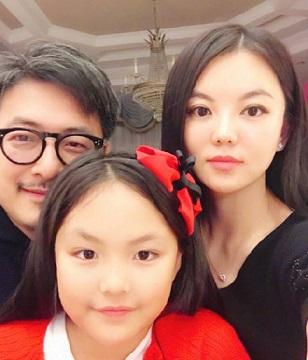 李湘女儿王诗龄和天天同框合影,网友:天天长帅了,王诗龄胖了