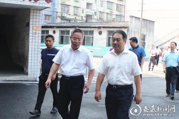 王雄到冷水江工业中等专业学校调研