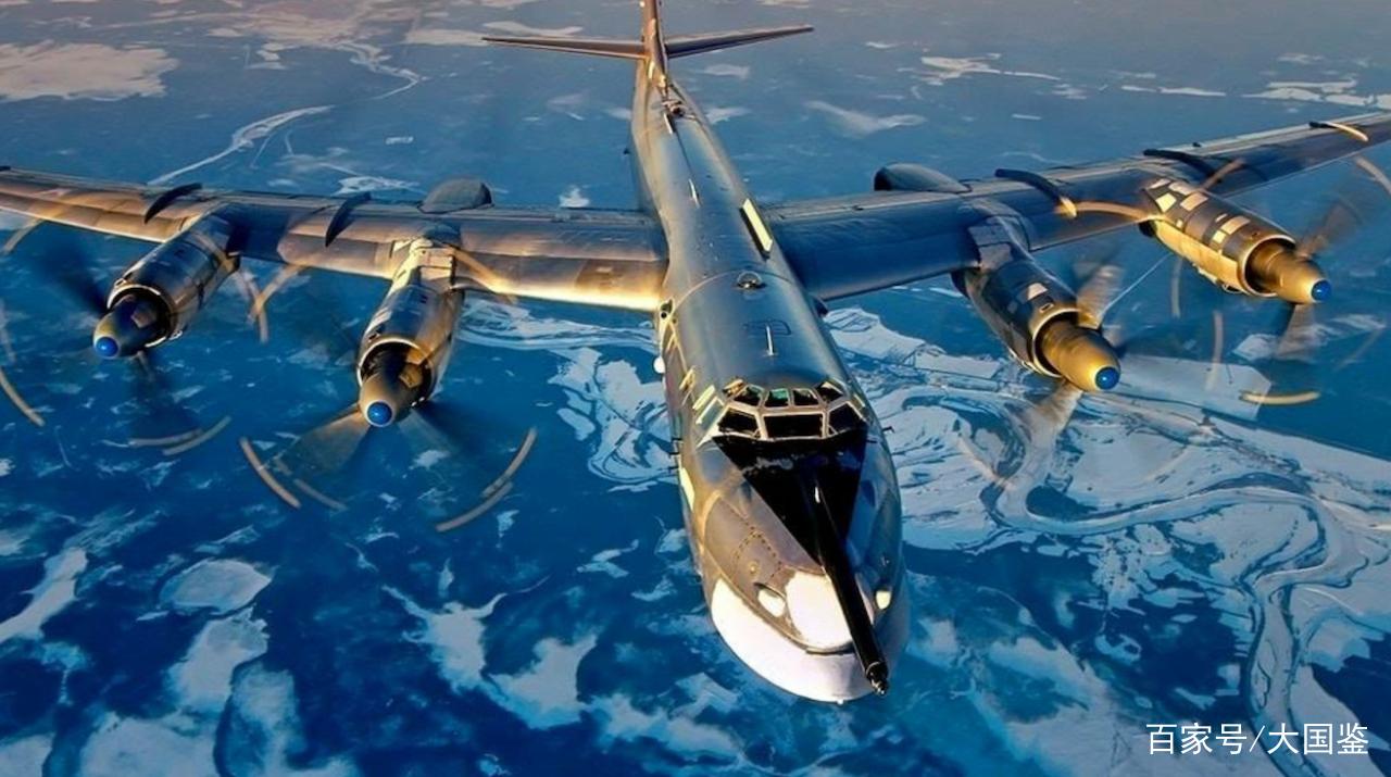 终于轮到普京反击!多架核轰炸机挂弹突防,北约:请保持克制