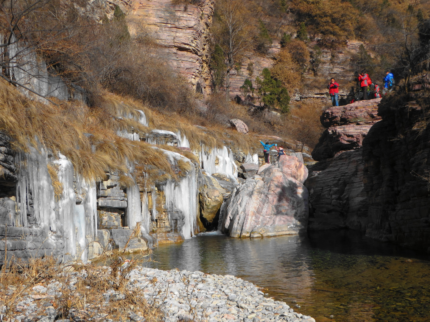 山西一处名气很低的大峡谷,顶峰海拔1772米,落差也达700米