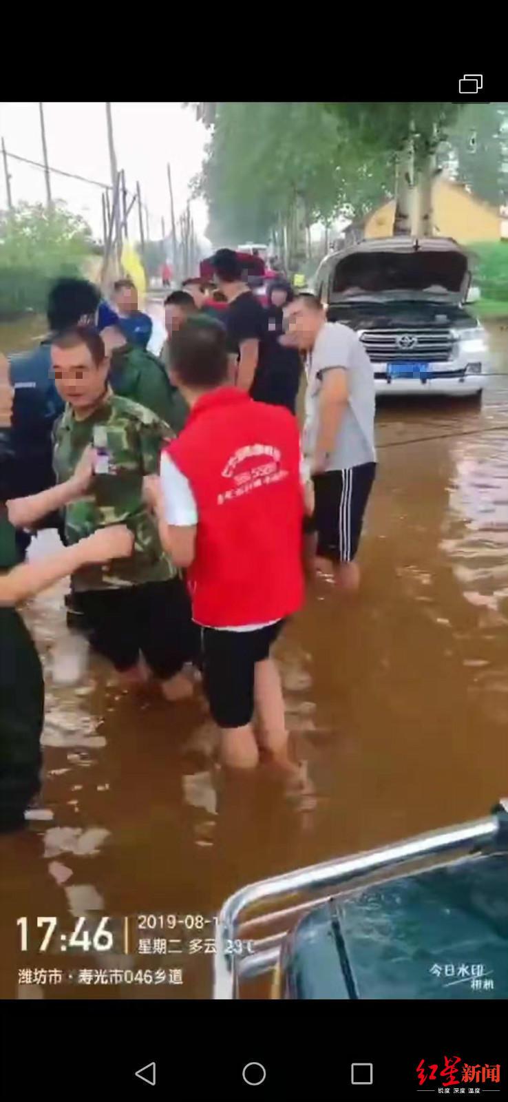 网传山东一男子因收消防300元开锁费被抓?警方:没被抓,仅处罚